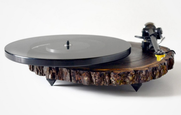 Custom handmade turntable made by Silvan Audio Workshop